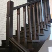 Ограждение лестницы из дерева