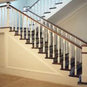 Деревянное ограждение лестницы №4
