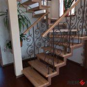 Лестница на второй этаж №2