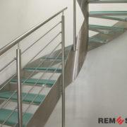 Лестница с элементами стекла №12