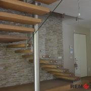 Лестница с элементами стекла №8