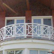 Ограждение балкона из дерева №5