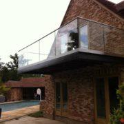 Ограждение балкона из стекла №1