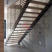 Лестница на каркасе 08