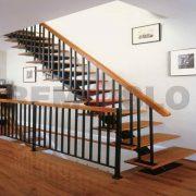 Лестница на каркасе 33