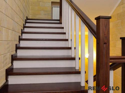 Деревянная лестница №17