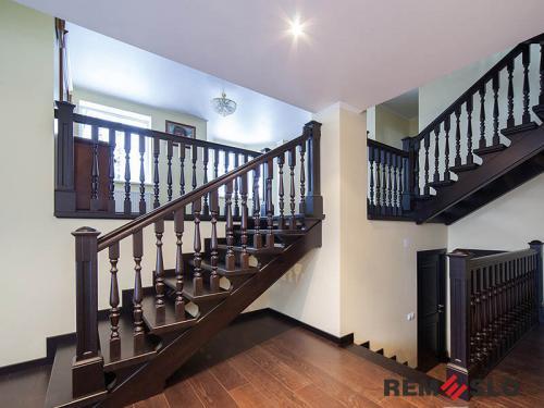 Деревянная лестница №28