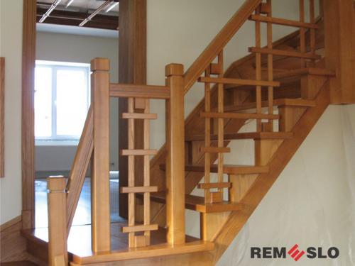 Деревянное ограждение лестницы №15