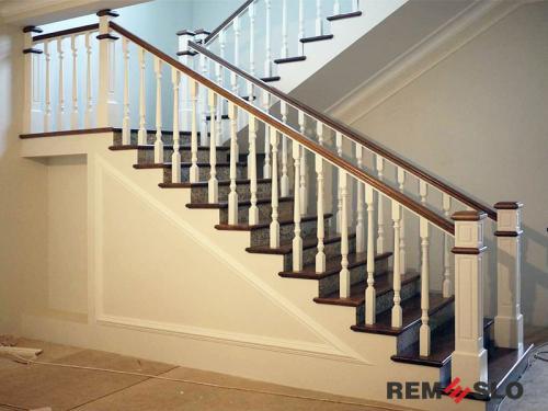 Деревянное ограждение лестницы №24