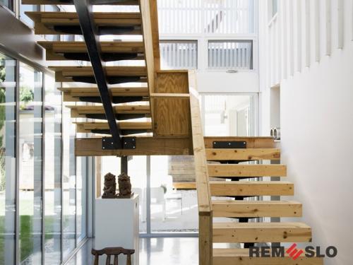 Деревянное ограждение лестницы №30