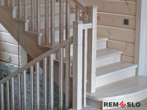 Деревянное ограждение лестницы №7