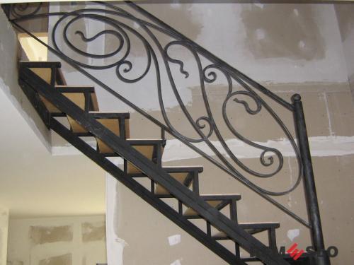 Лестница на второй этаж №12