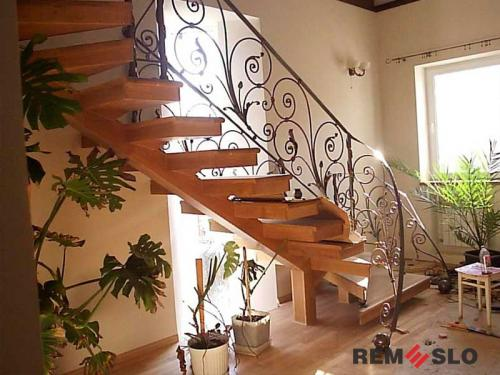 Лестница на второй этаж №3