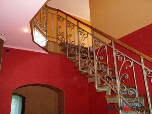 Лестница на второй этаж №4