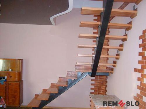 Лестница на металлическом каркасе №16
