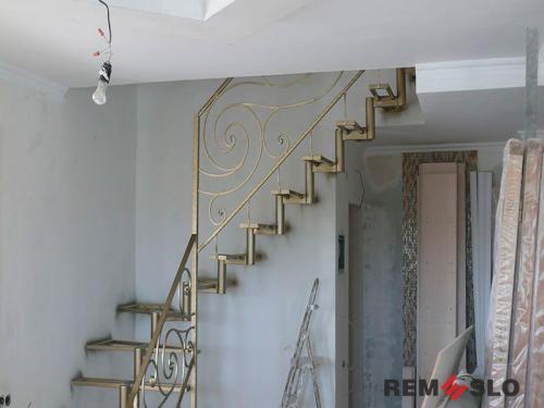 Лестница на металлическом каркасе №18