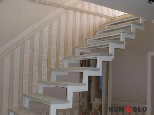 Лестница на металлическом каркасе №20