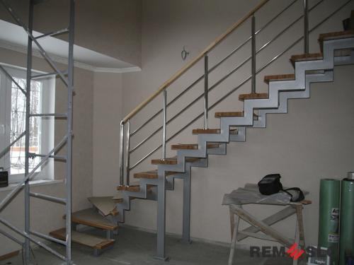 Лестница на металлическом каркасе №7
