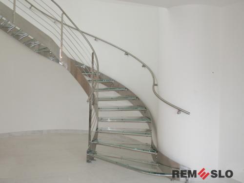 Лестница с элементами стекла №13