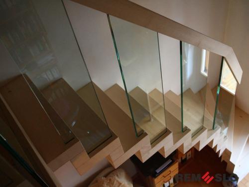 Лестница с элементами стекла №22