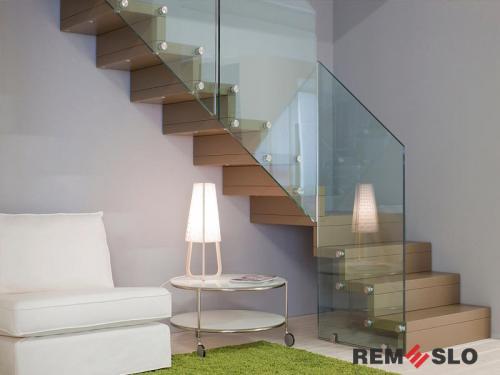 Лестница с элементами стекла №26