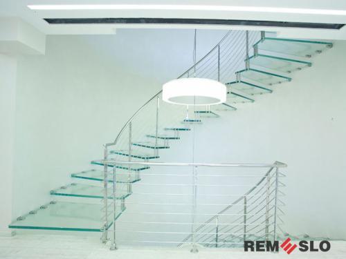 Лестница с элементами стекла №29