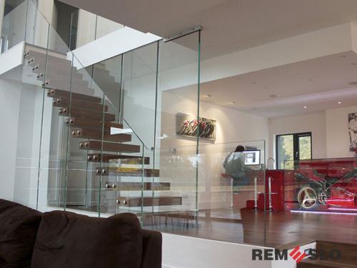 Лестница с элементами стекла №4