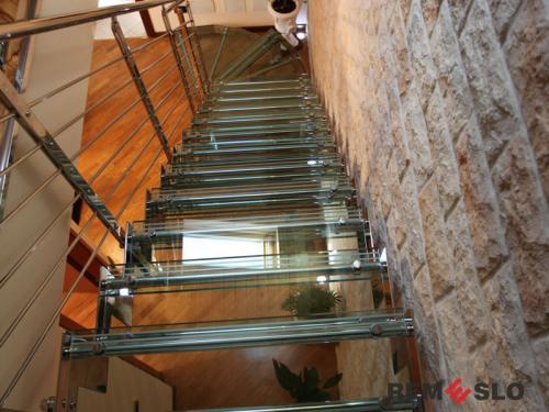 Лестница с элементами стекла №5