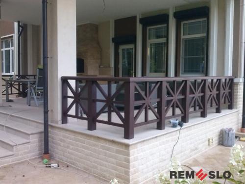 Ограждение балкона из дерева №4