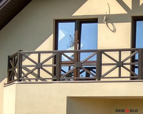 Ограждение балкона из дерева №7