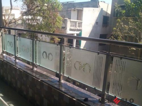 Ограждение балкона из стекла №11