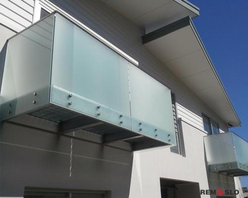 Ограждение балкона из стекла №2