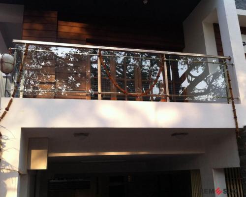 Ограждение балкона из стекла №21