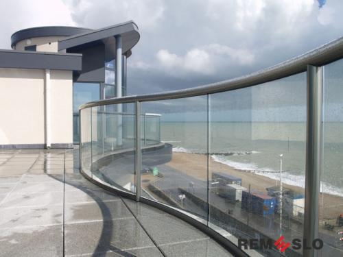 Ограждение балкона из стекла №24