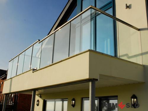 Ограждение балкона из стекла №30