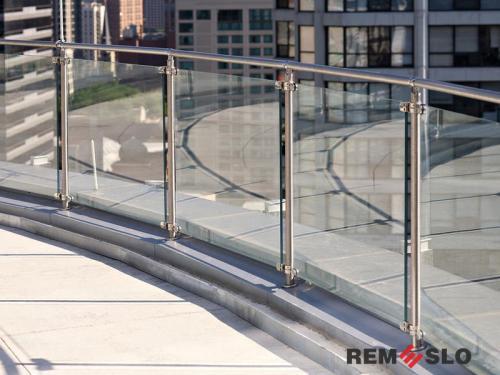 Ограждение балкона из стекла №9