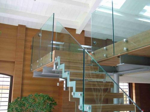 Ограждение из нержавеющей стали со стеклом №1