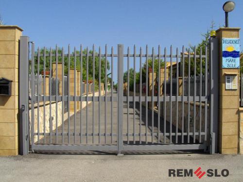 Сварные металлические ворота №14