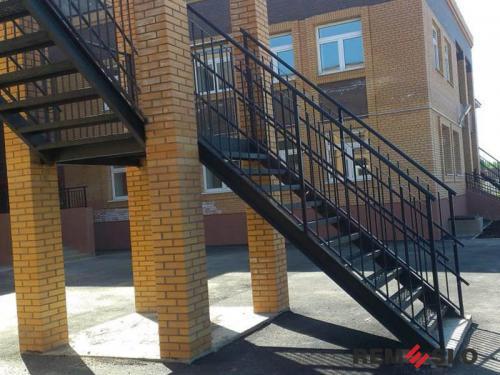 Уличная лестница №15